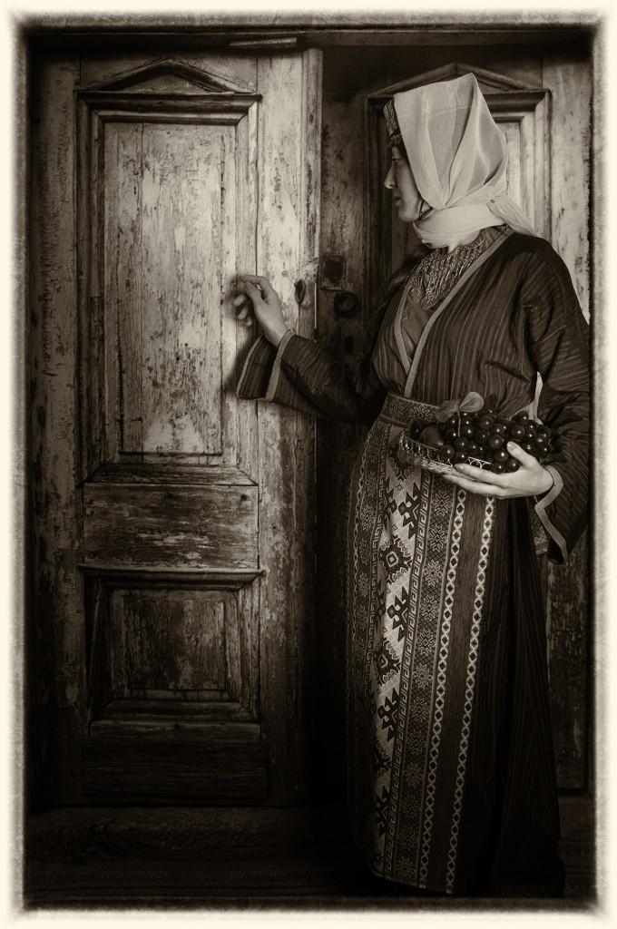 Армянский национальный женский костюм