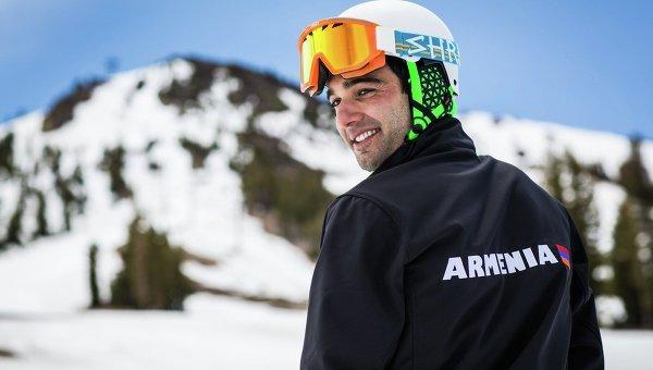 Рожденный в Сан-Франциско 26-летний армянин Арман Серебракян, будет представлять Армению в лыжных соревнованиях на зимней олимпиаде в Сочи в 2014 г.