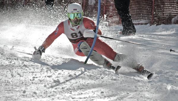 Армянский лыжник Арман Серебракян