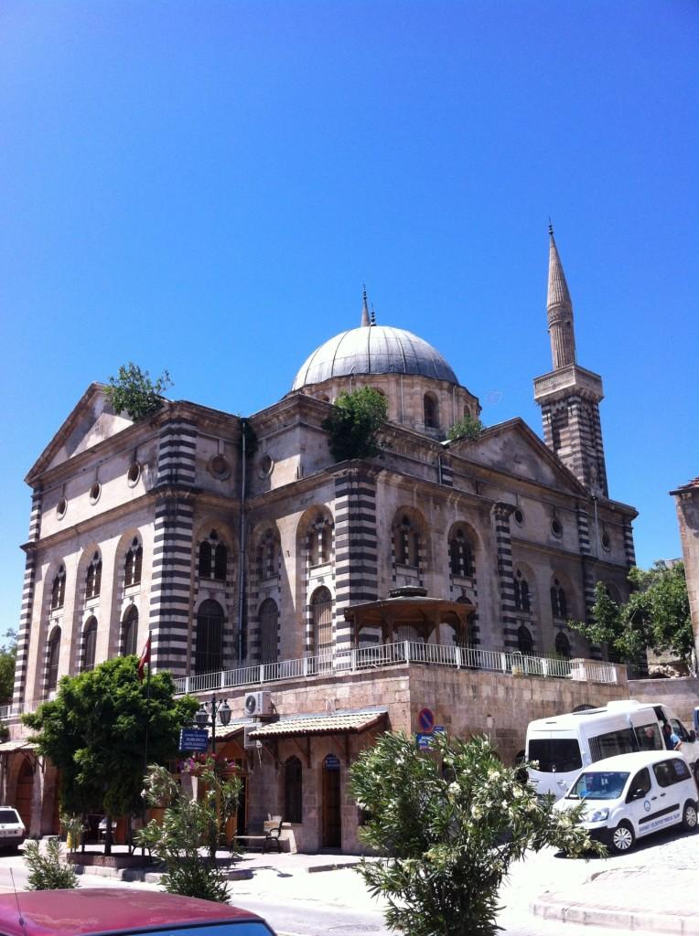 ерковь Сурб Аствацацин в Айнтабе. Сейчас это мечеть Kurtuluş Camii (Куртулуш Камии.)
