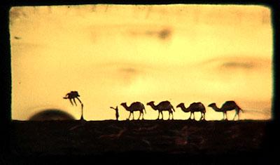 Абу Ла Ла Маари с караваном верблюдов. Мотив данной миниатюры – поэма классика армянской поэзии Аветика Исаакяна «Абу Ла Ла Маари».