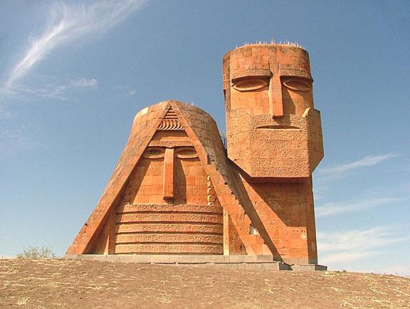 Армения выделила дополнительный кредит Нагорно-Карабахской Республике