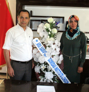 Gomidas-pr-pic-2-Bitlis-Co-Mayors-with-GI-Letter-and-flowers-2[1]