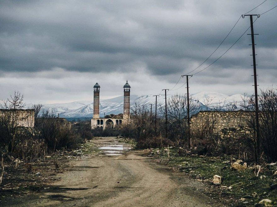 Две заброшенные мечети