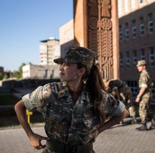 The Washington Post: «Первые женщины-солдаты затянувшегося конфликта»