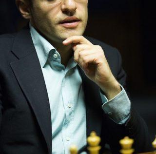 На гроссмейстера с непредсказуемой игрой возложены надежды всей нации