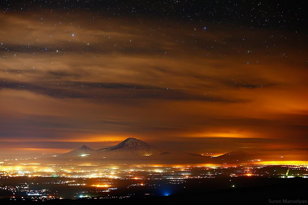 1ararat_at_night_from_aragats